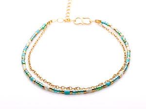 Smukke armbånd med kæde i Turkis og guld