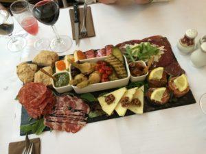 Rosticceria - Restaurant Mona Lisa og love2live