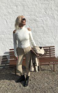 Marshmallow White Og Frække Tanker - won hundred - love2live - Onkel P