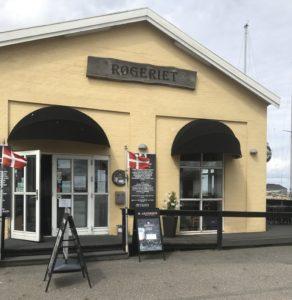 Forrygende Fiskebuffet - Røgeriet Bogense - anmeldelse love2live
